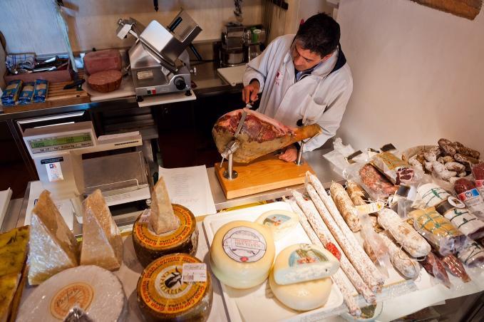 FEMA Grocery Shop - San Casciano dei Bagni